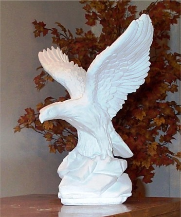 Charmant Small Eagle Statue