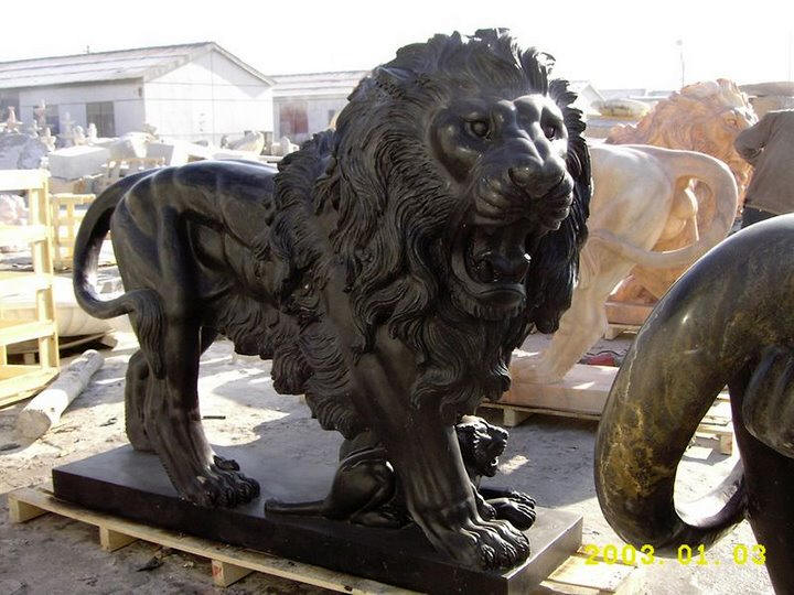 ... Lion Statue In Black Marble Carved Stone Lions Pairs ...