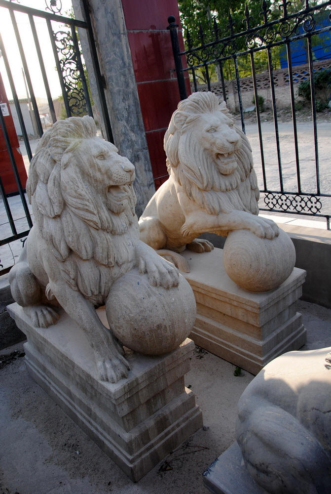 ... Lions Marble Statue Outdoor Lion Statue ...